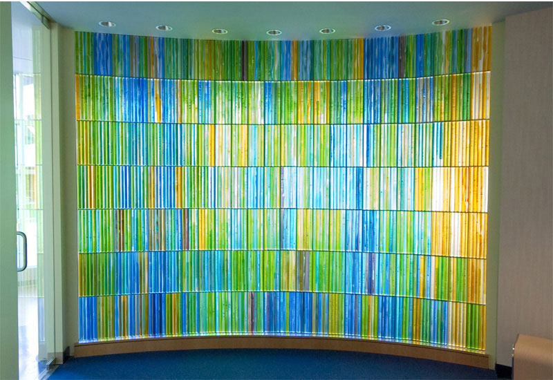 Art glass feature wall by Paul Housberg: Children's Specialized Hospital