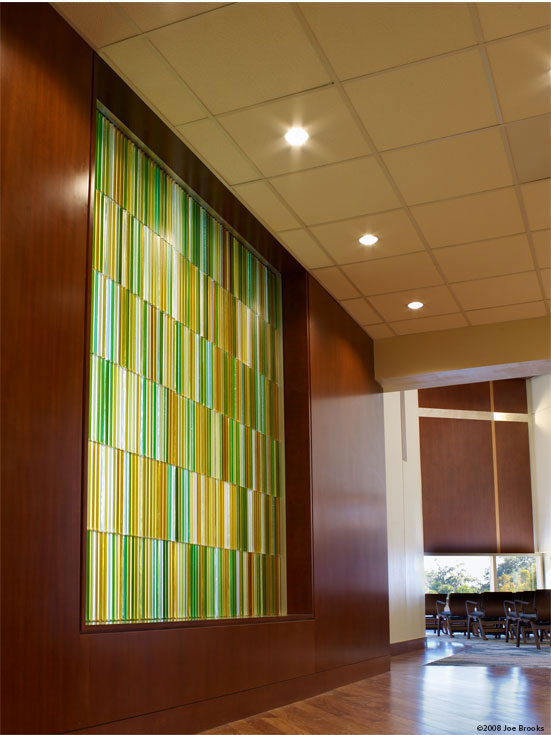 Chapel glass art wall by Paul Housberg: Florida Hospital