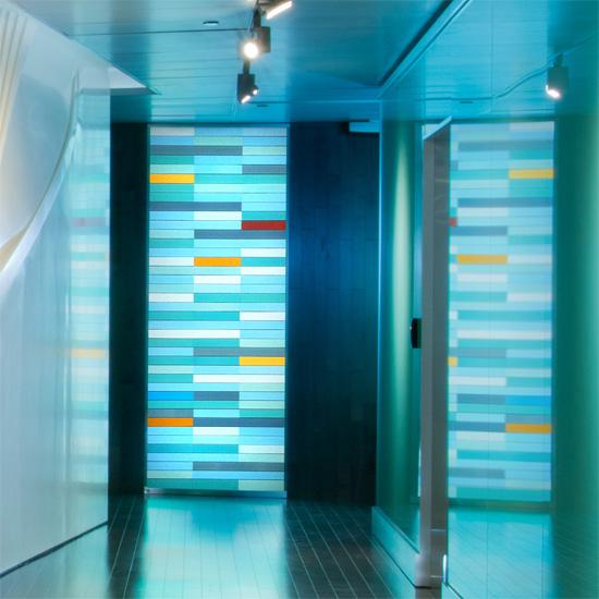 Art glass wall by Paul Housberg: Mayo Simulation Center